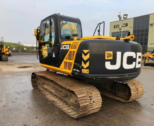 JCBJS130 TRACKED EXCAVATOR