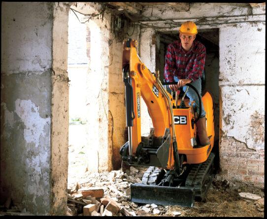 8010 CTS Micro Excavator